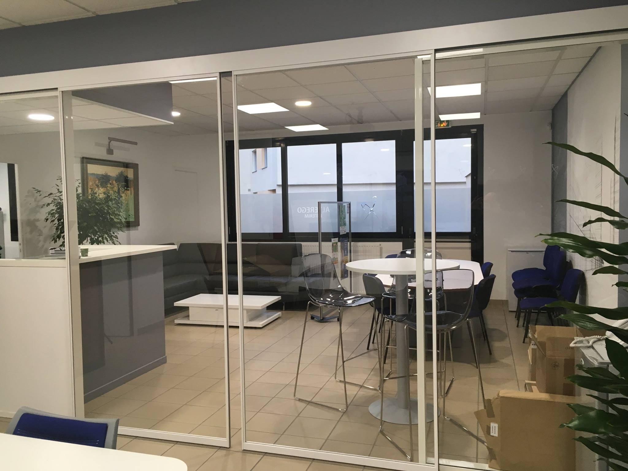 Cloison vitrée - Plaf'déco spécialiste de l'isolation, plafond suspendu, platrerie, menuiseries, dressing, placards