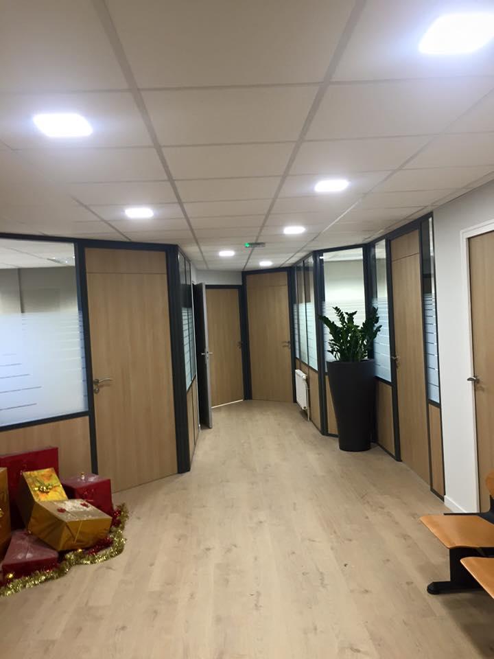 Crédit Agricole de Charleville - Plaf'déco spécialiste de l'isolation, plafond suspendu, platrerie, menuiseries, dressing, placards