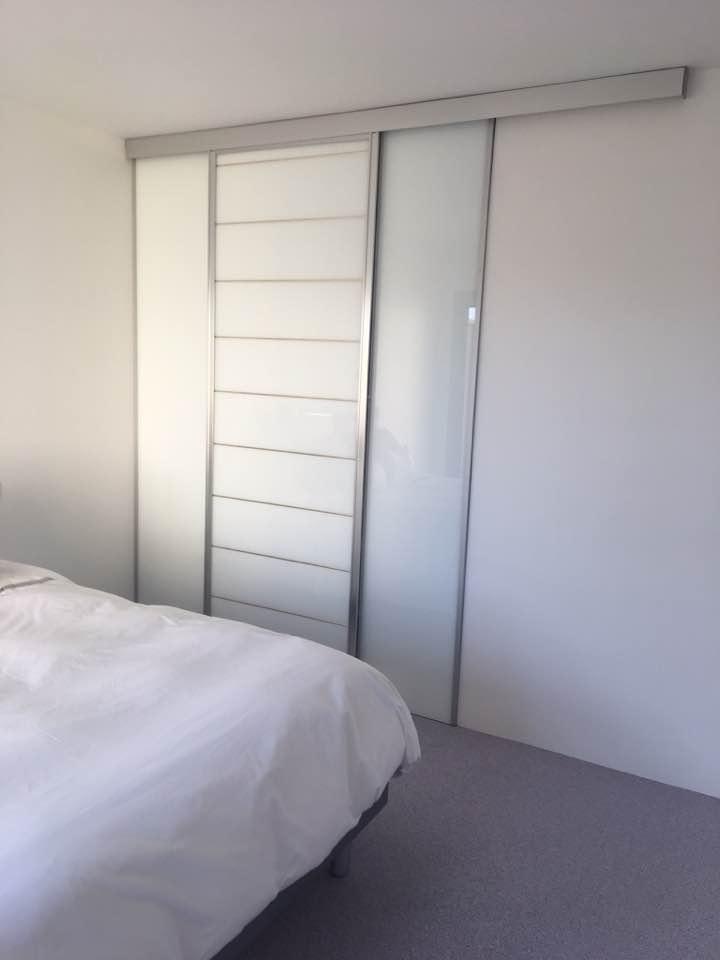 Dressing façade coulissante - Plaf'déco spécialiste de l'isolation, plafond suspendu, platrerie, menuiseries, dressing, placards