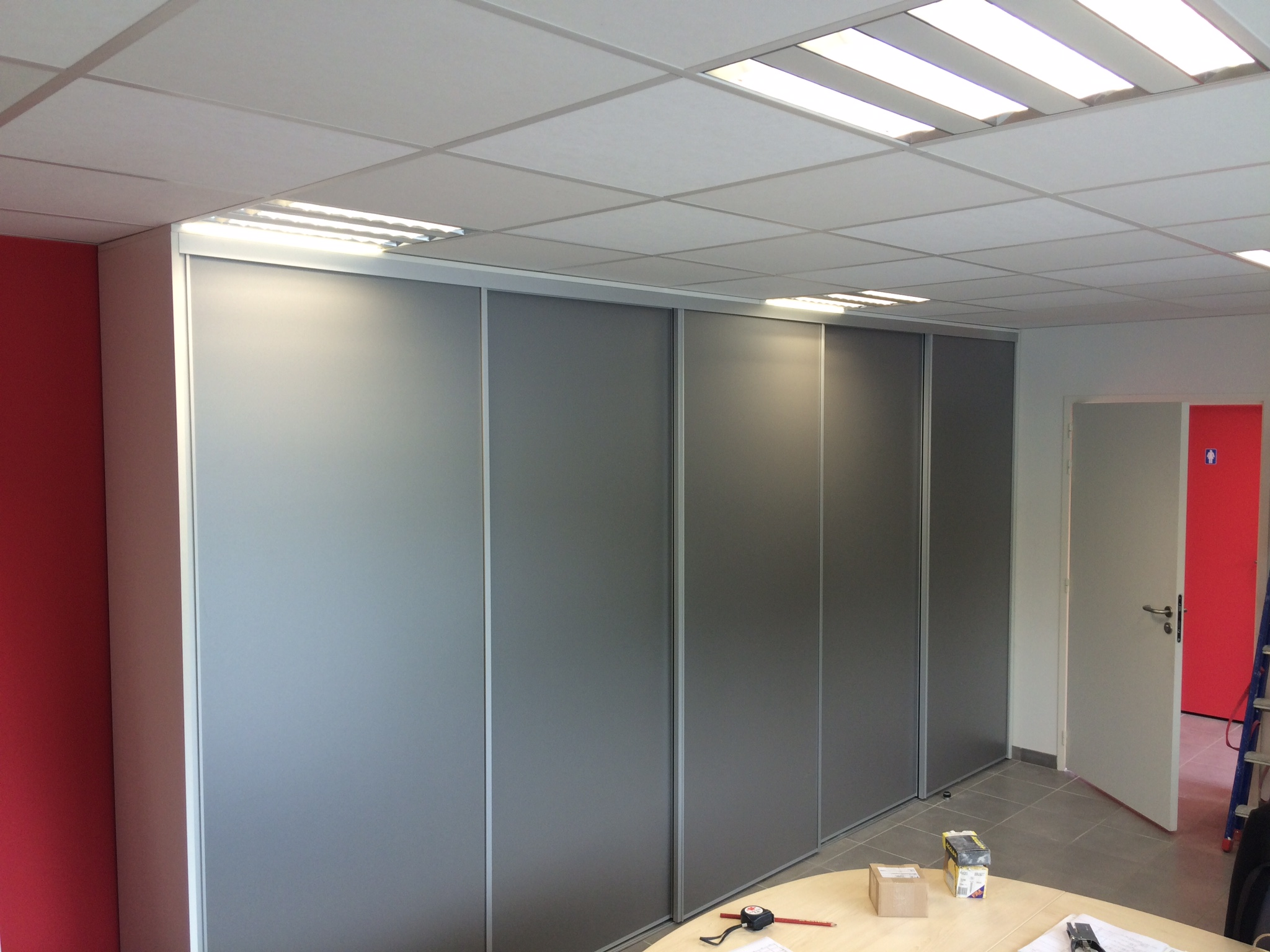 Façade coulissante - Plaf'déco spécialiste de l'isolation, plafond suspendu, platrerie, menuiseries, dressing, placards