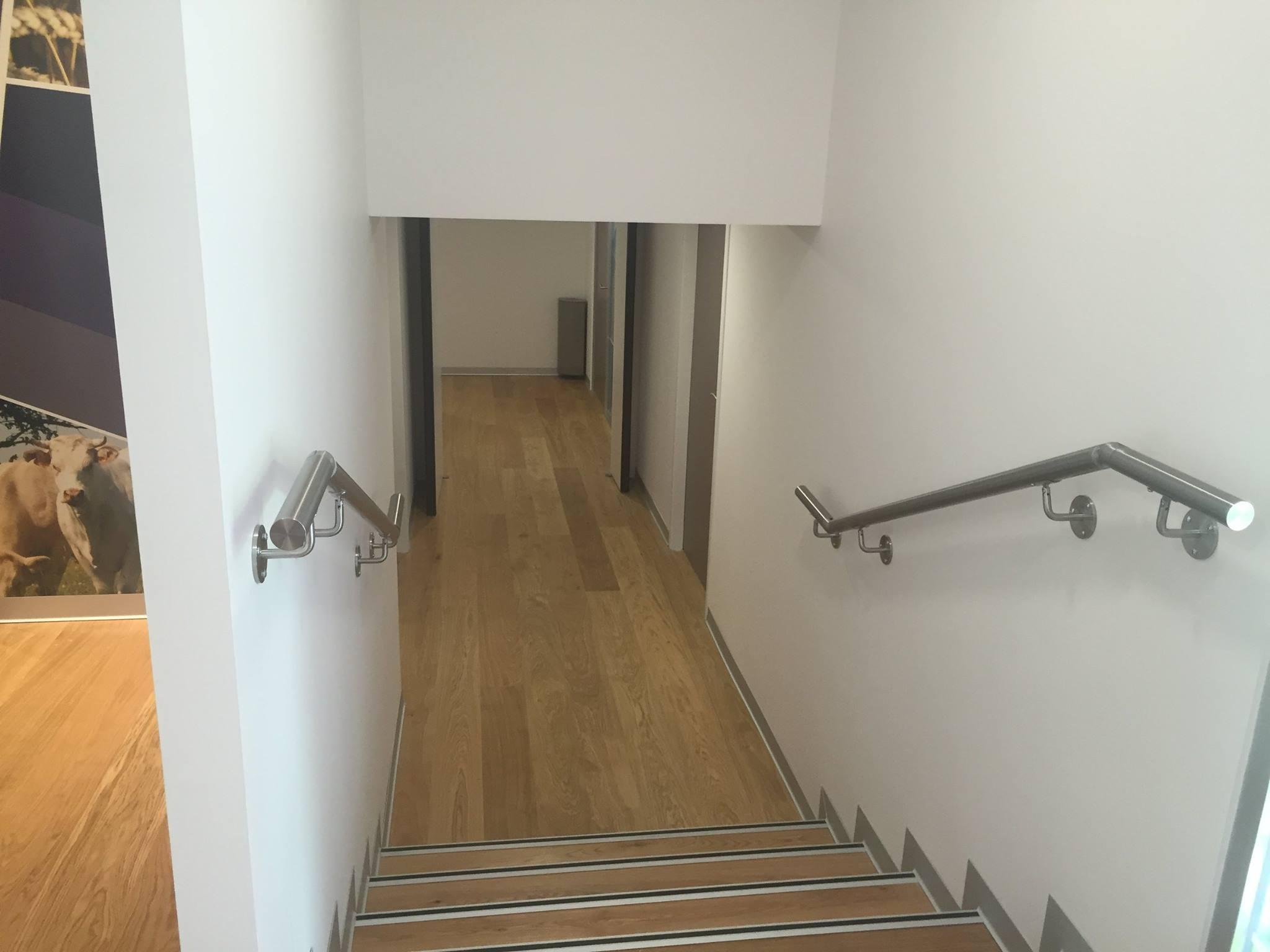 Main courante inox - Plaf'déco spécialiste de l'isolation, plafond suspendu, platrerie, menuiseries, dressing, placards